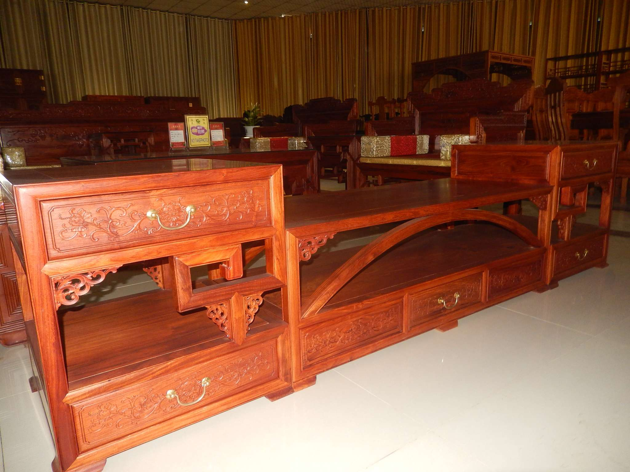 客厅红木柜子 - 景洪濠泰红木有限责任公司